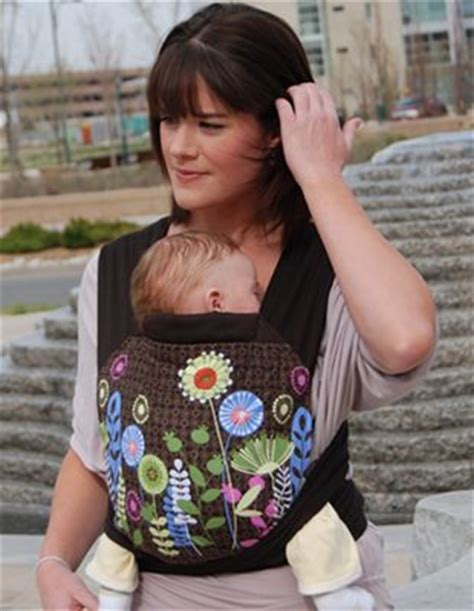 Ah beauty: the FreeHand Mei Tai Baby Carrier