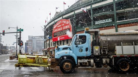 todays cubs game   angels postponed  snow cold