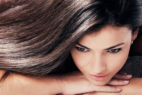 Get Glossy Hair by 10 Easy Ways To Get Shiny Hair