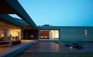BEAUTIFUL MODERN HOUSE near the sea with mountain views ...  Modern