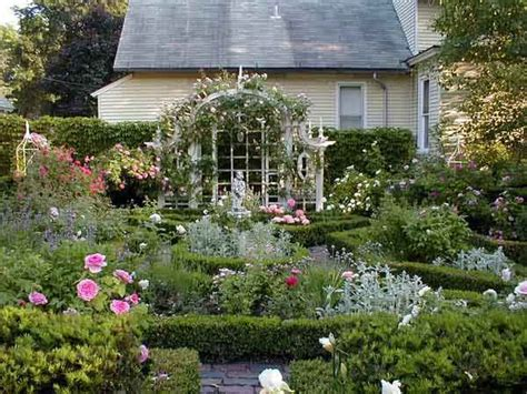 17 Best Images About Formal Rose Garden Ideas On Pinterest