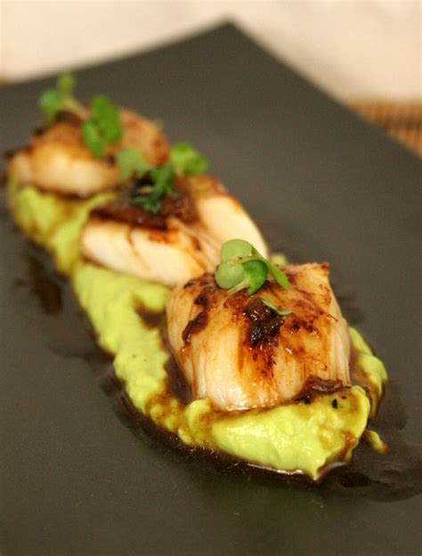 Scallops with Avocado Puree