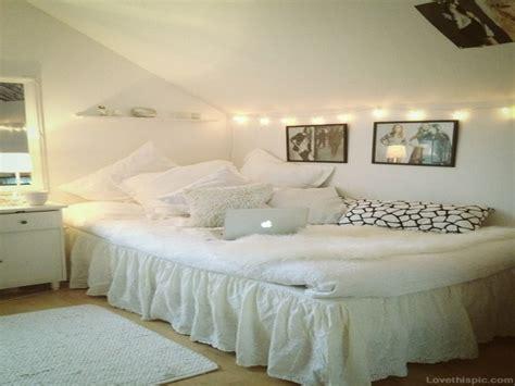Cute Girl Bedroom Ideas, White Teen Room Chair White