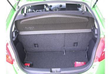 Yaris Seat Ibiza Und Mazda 2 Im Kleinwagen Vergleich by Adac Auto Test Mazda 2 1 5 Impression