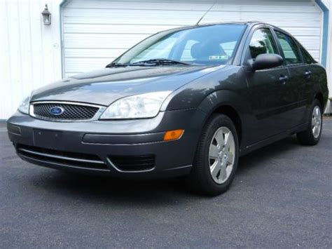 purchase   ford focus zx se  warminster