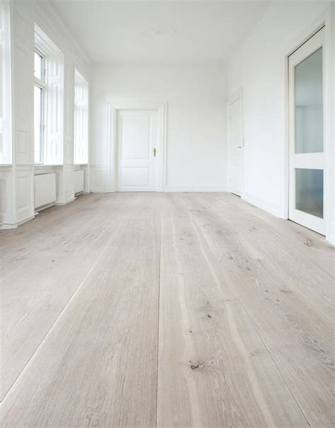 white wash floors pictures best 25 pine floors ideas on pinterest pine flooring wood plank flooring and white wooden floor