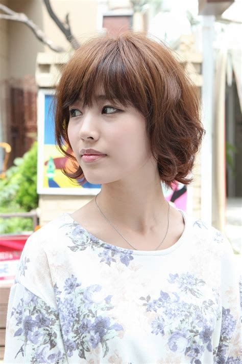 asian hairstyles soft casual wavy brown bob haircut