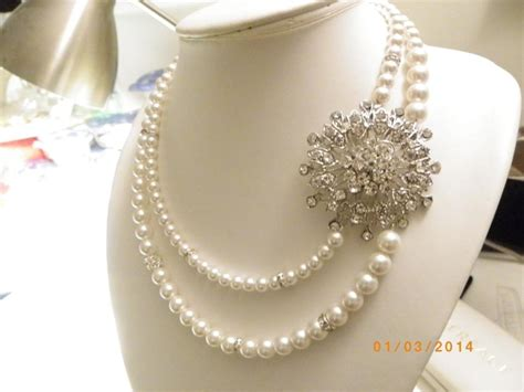 White Vintage Flower Necklace white vintage style pearl pearl rhinestone flower