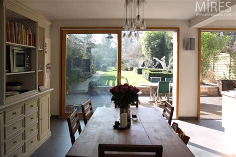 sejour cuisine ouvert sur le jardin  mires paris