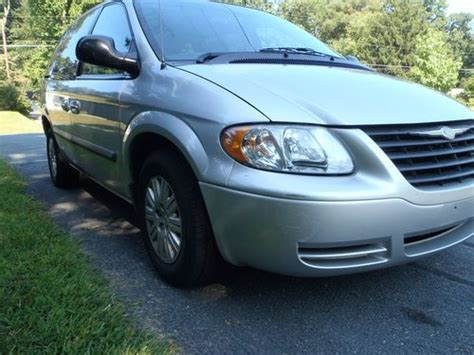 Tires For Chrysler Town And Country by Purchase Used 2007 Chrysler Town Country New Tires
