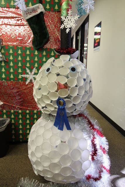 christmas decoration in office the most creative ways to decorate your office cubicle for
