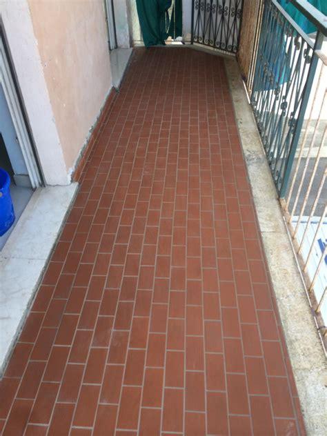 pavimento per balconi foto stuccatura pavimento balcone di edil ristructura di