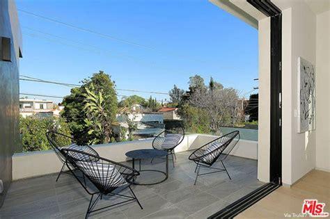 lindsey vonn sells hollywood home   million