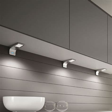 eclairage sous meuble cuisine eclairage meuble cuisine led