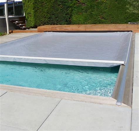 rideau piscine electrique lectrique de la piscine protection clairages prises et accessoires