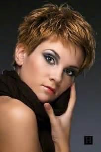 coupe de cheveux moderne femme coupe de cheveux court femme moderne