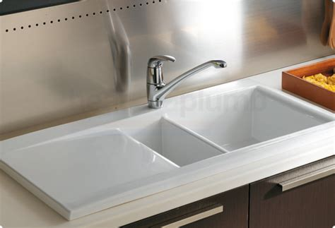 how to clean white porcelain kitchen sink how to clean a white porcelain kitchen sink design idea 9363