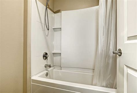 fiberglass tub cleaner restorer fiberglass bathtub repair theydesign net theydesign net