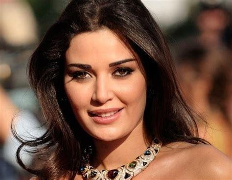 В какой стране живут самые красивые женщины?  Записки о