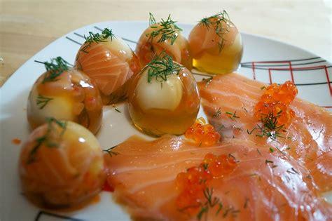 cuisiner du saumon frais activités manuelles les œufs en gelée fr hellokids com