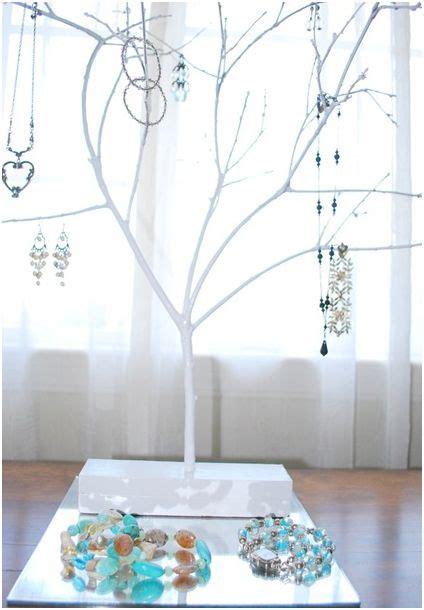 DIY: Jewelry Tree