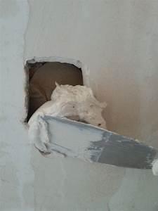 Reboucher Trou Mur Placo : comment boucher un trou non vide dans un mur en briques ou ~ Melissatoandfro.com Idées de Décoration