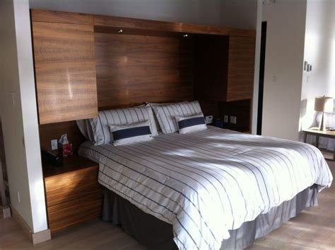 t 234 te de lit avec table de chevet et rangement int 233 gr 233 en placage de noyer noir a faire d