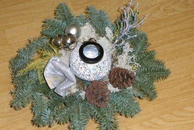 weihnachtsgestecke selber machen anleitungen weihnachtsgestecke selber machen