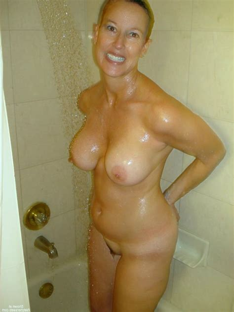 Beautiful Milf Gets Stretched