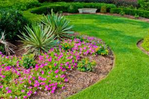 easy landscaping ideas for your back and front yard front yard landscaping ideas