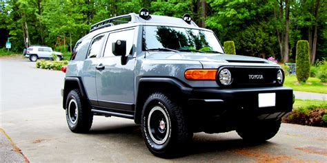 2013 Toyota Fj Cruiser by 2013 Toyota Fj Cruiser The Automotive Review
