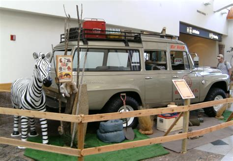 hatari truck john wayne mobile 1966 international travelall the movie