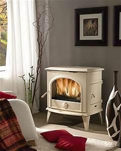 Poele A Bois Moderne : chinvest cheminees de chazelles produits poeles a bois ~ Dailycaller-alerts.com Idées de Décoration
