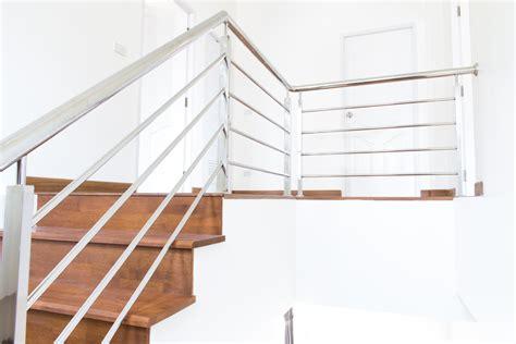 courante d escalier inox atouts installation prix ooreka