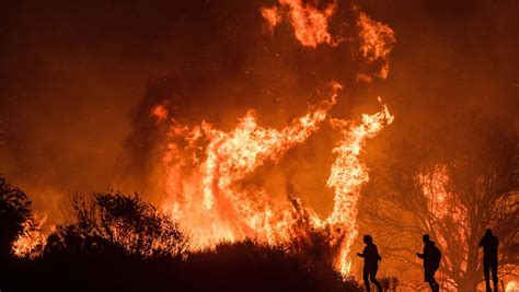 The tick fire in santa clarita, just outside of los angeles, continued to expand overnight after it jumped state road 14. The California Wildfires: Possible Causes And Current ...