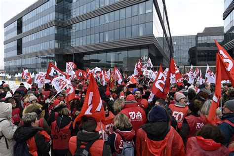 adresse siege carrefour massy grève chez carrefour des magasins fermés en vue pour le
