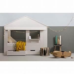 lit enfant cabane en pin huisie par drawerfr With tapis enfant avec bout canapé bois
