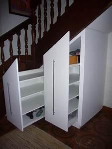 Placard Escalier : placard sous escalier sous escalier pinterest sous escalier placard sous escalier et ~ Carolinahurricanesstore.com Idées de Décoration