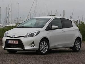 Essai Toyota Yaris Hybride 2018 : essai vid o toyota yaris hybride premi re r ussie ~ Medecine-chirurgie-esthetiques.com Avis de Voitures