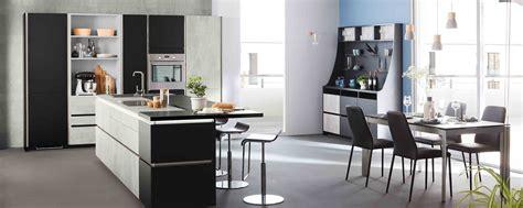 cuisine de la guadeloupe cuisine moderne grise béton design en îlot ambiance fabrik