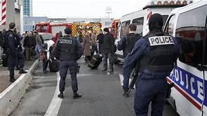 Horaire Priere Orly : le p re de l 39 assaillant d 39 orly nie toute intention terroriste ~ Medecine-chirurgie-esthetiques.com Avis de Voitures