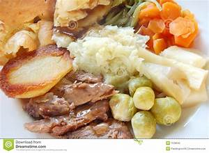 Traditional English Roast Dinner Stock Photo - Image: 1538042
