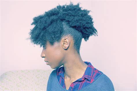 une coiffure simple  rapide au quotidien lafro puff