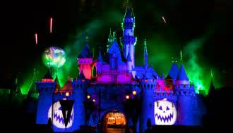 Haunted Attractions In Paris by Disneyland Halloween 2017 Guide Rides Food Decorations