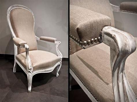 fauteuil voltaire 224 dossier quot violon quot recouvert d un tissu toile de bois patin 233 et blanchi