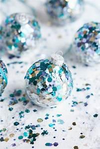 Boule Noel Transparente : boule de no l transparente 50 id es cr atives comment d corer et personnaliser le sapin ~ Melissatoandfro.com Idées de Décoration