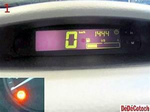 Tableau De Bord Twingo : changer le capteur du compteur de vitesse renault twingo tuto ~ Gottalentnigeria.com Avis de Voitures