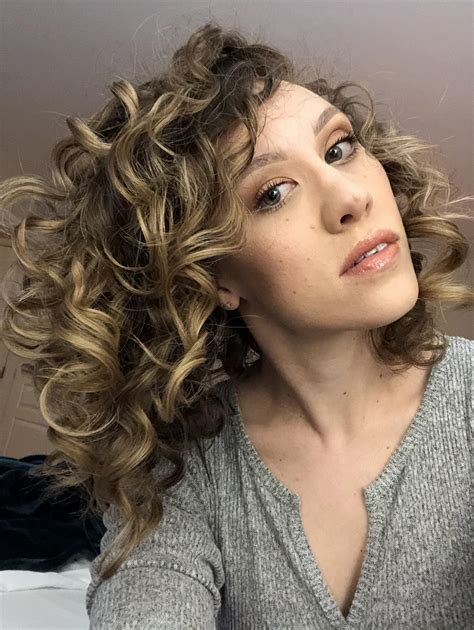 plump method  styling curly hair