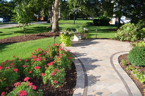 7 Tips For Creating Beautiful Outdoor Walkways Landscape