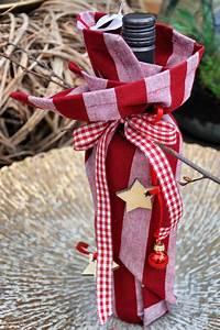 Geschenk Verpacken Schleife : die leckere flasche wein kannst du smart verpacken mit einem sch nen geschirrtuch mit schleife ~ Orissabook.com Haus und Dekorationen